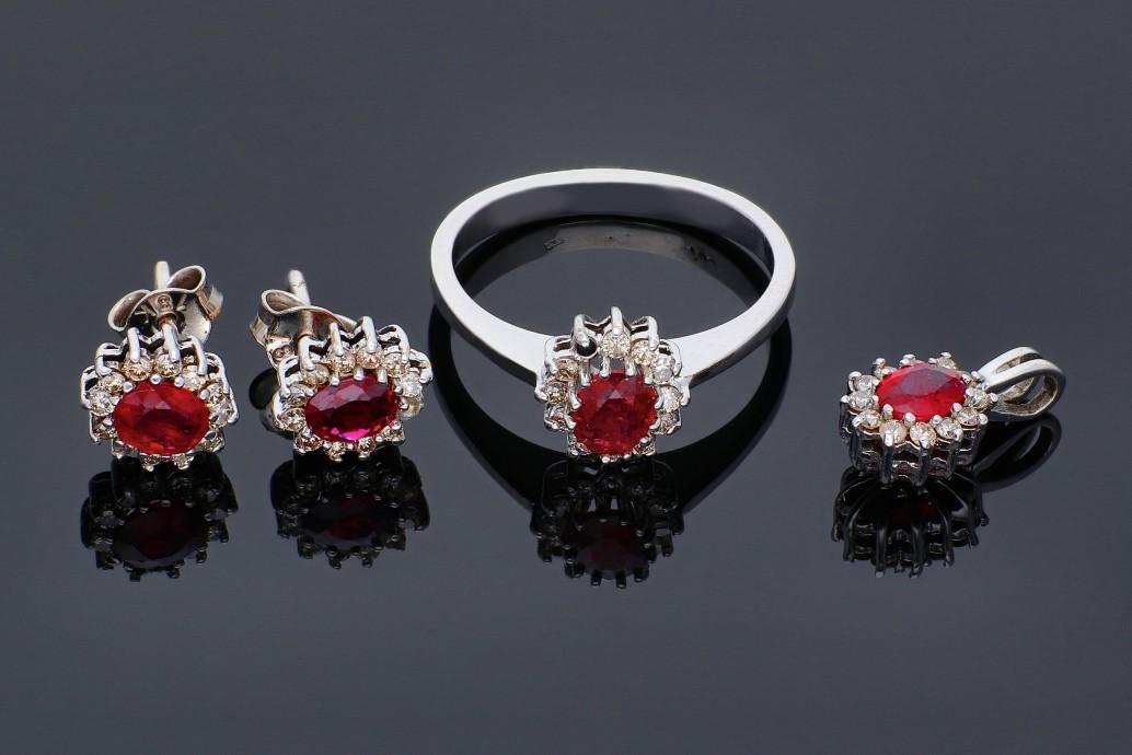 Set aur inel, cercei, pandant  cadouri bijuterii cu rubine si diamante