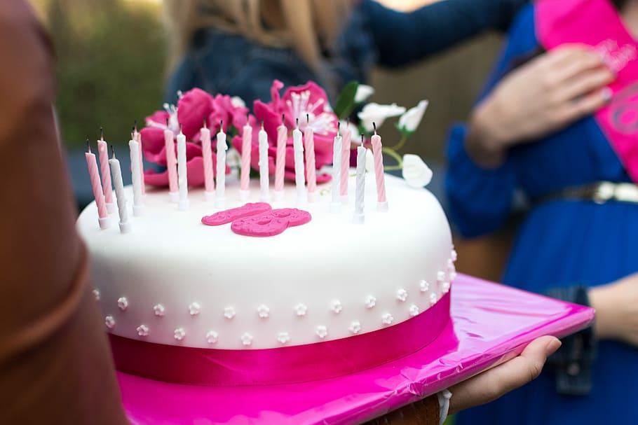 Idei de cadouri pentru majorat fete