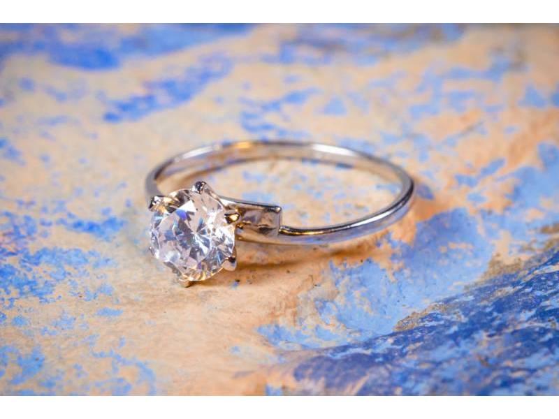 inel logodna - bijuterii aur alb