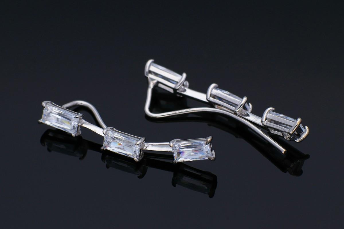 Bijuterii din aur - Cercei cu surub din aur 14K alb pietricele