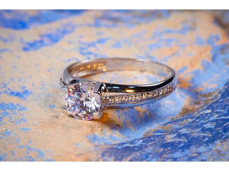Inel aur cadouri bijuterii aur alb de logodna