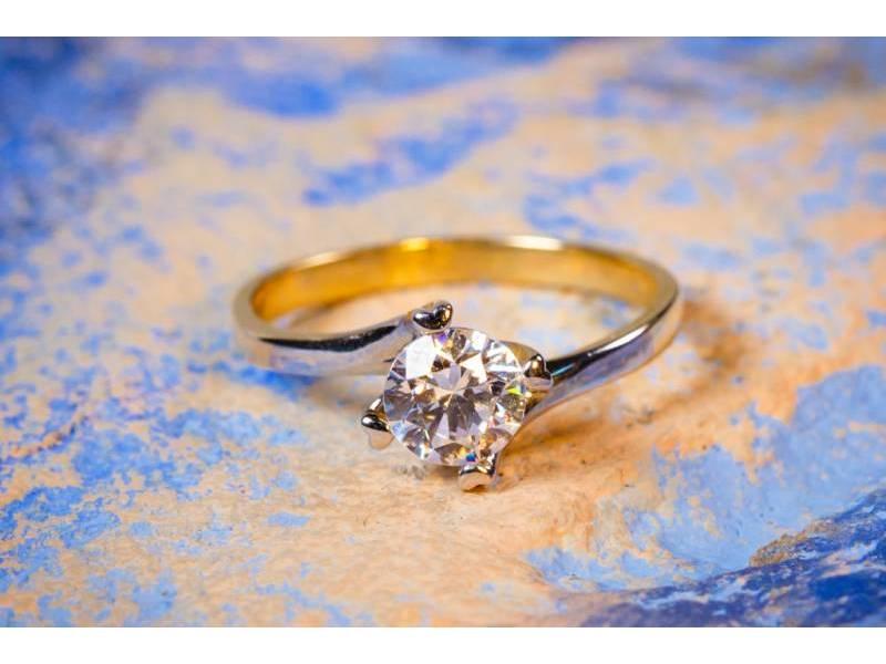 Inel bijuterie aur cu zirconia