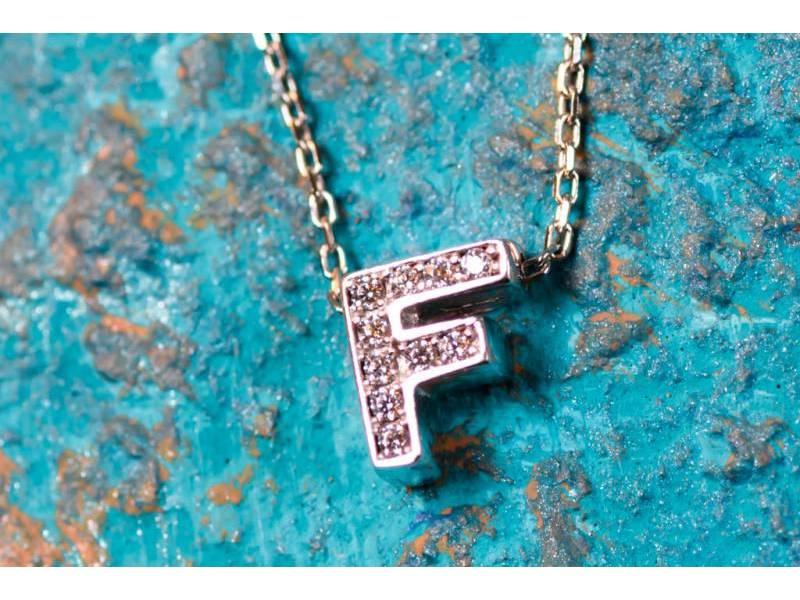 Lant cu pandant bijuterii aur 14K initiala F zirconia
