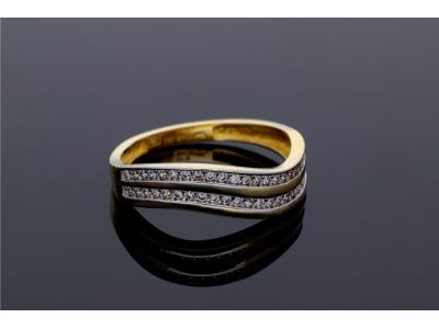 Inel aur 14K cu pietre de laborator