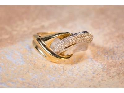 Inel aur cu zirconii cadouri bijuterii deosebite