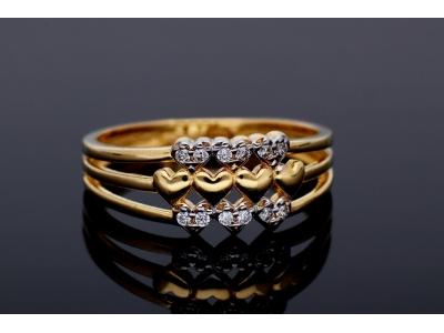 Inel cu inimioare din aur 14K