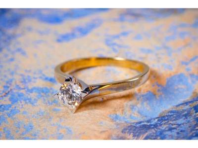 Inel de logodna bijuterii aur cu zirconii